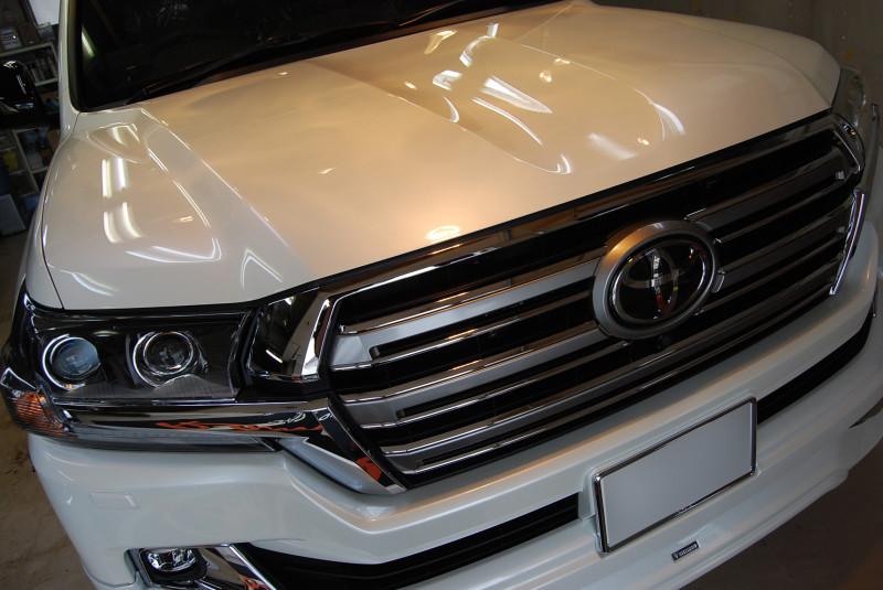 トヨタ・ランドクルーザー200のガラスコーティング施工